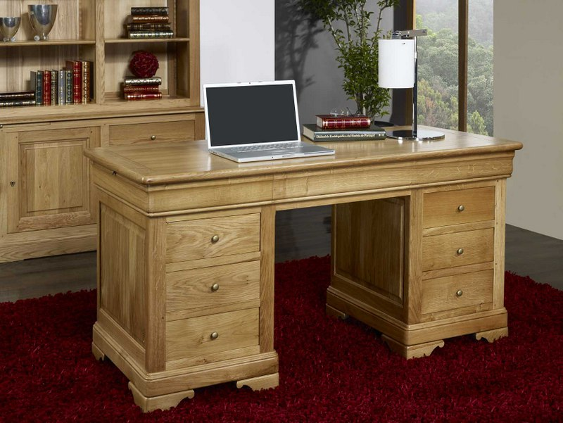 bureau ministre 9 tiroirs en ch ne massif de style louis. Black Bedroom Furniture Sets. Home Design Ideas