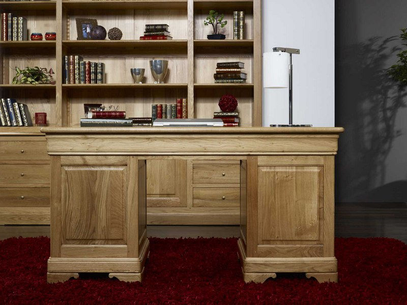 bureau ministre 9 tiroirs en ch ne massif de style louis philippe meuble en ch ne massif. Black Bedroom Furniture Sets. Home Design Ideas
