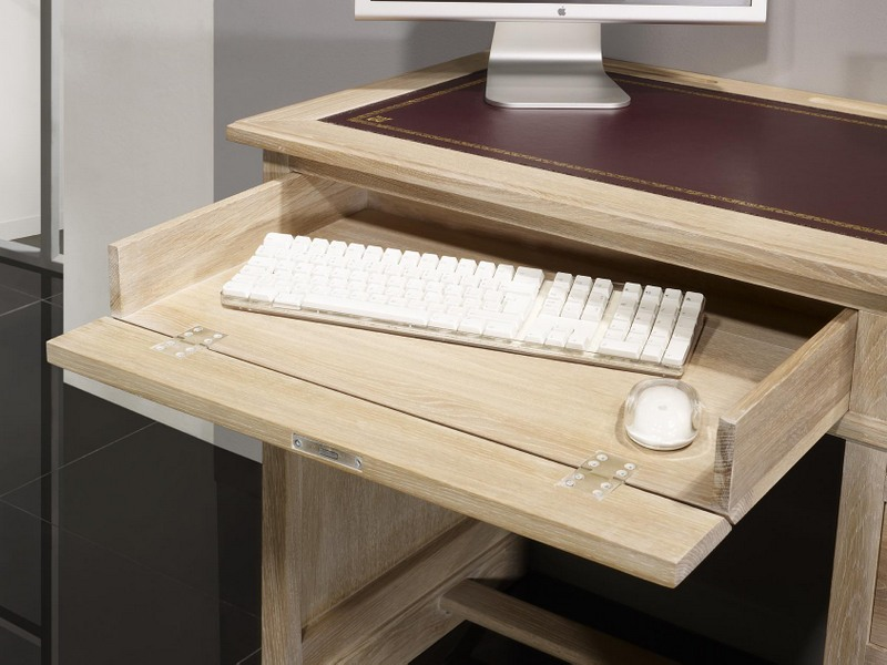 Petit bureau luc en ch ne de style louis philippe finition for Meuble bureau nantes