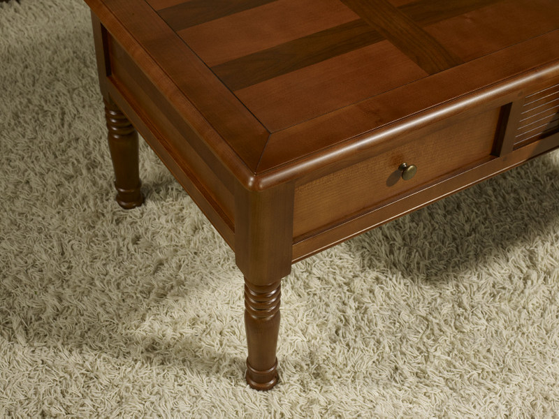 Table basse agathe en merisier de style louis philippe for Table basse en merisier