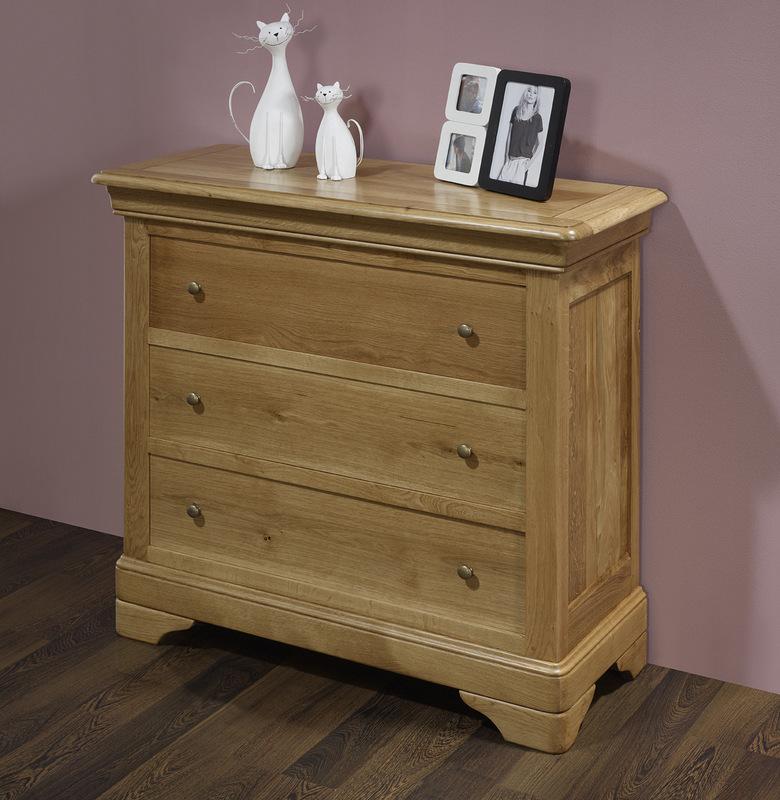 commode 3 tiroirs guillaume en ch ne de style louis philippe meuble en ch ne massif. Black Bedroom Furniture Sets. Home Design Ideas