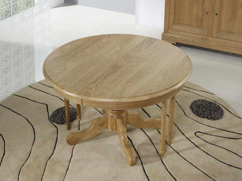 Table ronde pied central en ch ne massif de style louis for Table un pied