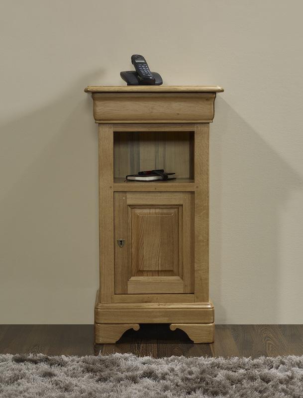 meuble t l phone l o en ch ne massif de style louis philippe meuble en ch ne massif. Black Bedroom Furniture Sets. Home Design Ideas