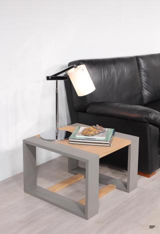 table basse ou d 39 appoint 60x60 ariel en ch ne de ligne contemporaine meuble en ch ne massif. Black Bedroom Furniture Sets. Home Design Ideas