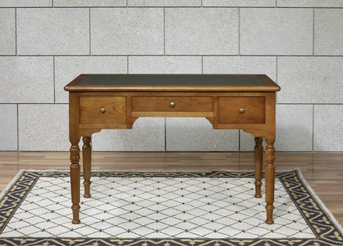 Bureau 1 2 ministre en merisier massif de style louis for Bureau louis philippe